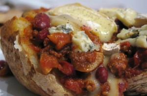 The Singing Kettle - Jacket Potato with Chilli and Cheese